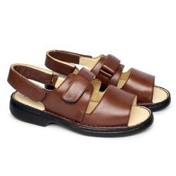 Sandália de Couro com Velcro Tamanho Grande - Marrom - FB653M - TG - Pé Relax Sapatos Confortáveis