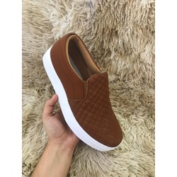Slip On Matelassê Caramelo DKShoes - Rilu Fashion