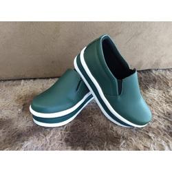 Slip On Liso Sola Alta Verde Militar DKShoes - Rilu Fashion