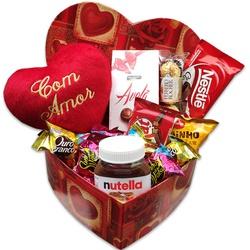 Caixa coração com chocolates e pelúcia