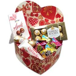 Caixa coração com chocolates para presentear seu amor