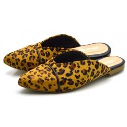 Mule Feminina Bico Fino com Vivo em Pelo Onça Flor... - Top Franca Shoes | Calçados confortáveis em Couro