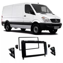 Moldura DVD 2 Din Sprinter 2013 a 2018 (Preto) - Total Latas - A loja online do seu automóvel