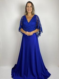 Vestido Com Capa em Guipir Azul Royal - Patricia Rios