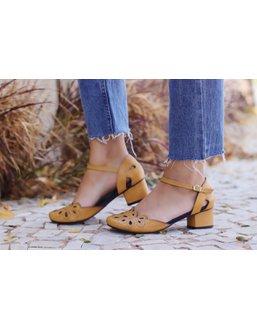 Sapato Boneca Salto Baixo Mostarda- 600-28 - Universo Bubblē