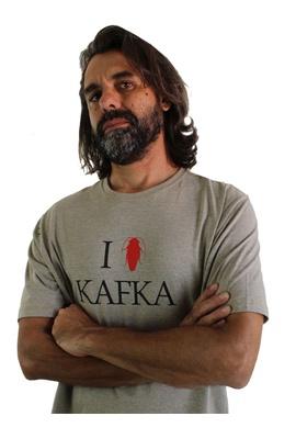 Camiseta Kafka Cru - Tertúlia Produtos Literários