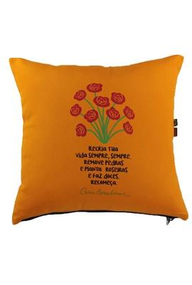 Capa de Almofada Cora Coralina Recria Amarela - Tertúlia Produtos Literários