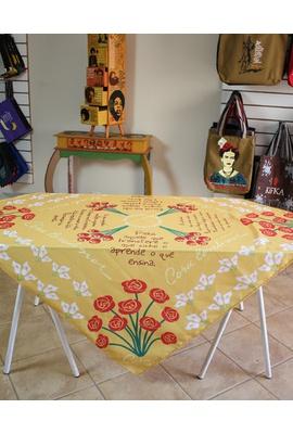 Toalha de Mesa Digital Cora Coralina Amarelo - Tertúlia Produtos Literários