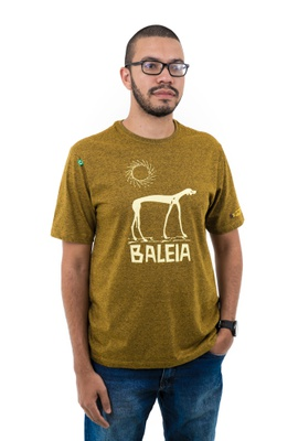 Camiseta Graciliano Ramos Baleia Mescla Mostarda - Tertúlia Produtos Literários
