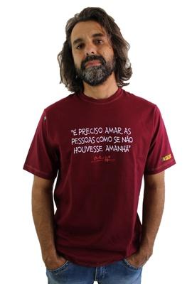 Camiseta Renato Russo Pais e Filhos Bordô - Tertúlia Produtos Literários