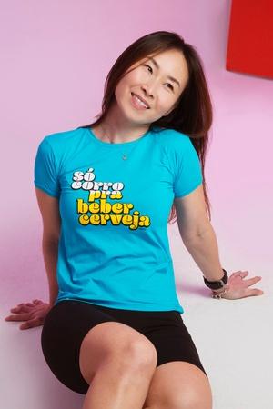 Camiseta Feminina Funfit - Só Corro Pra Beber Cerv... - FUNFIT