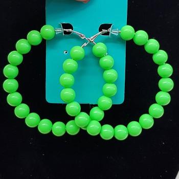 Argola Grande Esferas Verde Neon