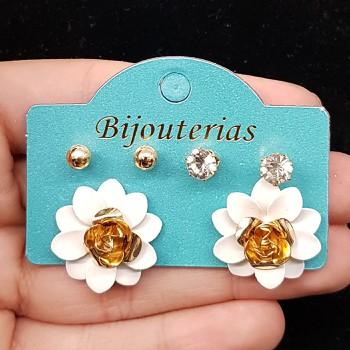 Kit De Brincos Flor Branco