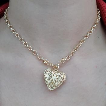 Colar Folheado Coração Relicario Dourado