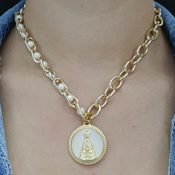 Colar Elos Dourado Nossa Senhora Aparecida e Pérol...