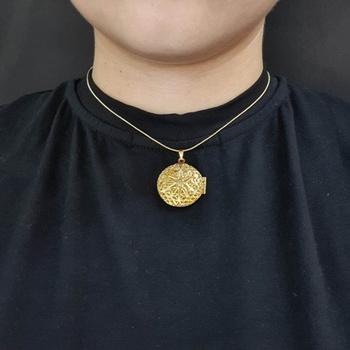 Colar Folheado Dourado Relicário Detalhado