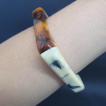 Bracelete Acrílico Mesclado Branco e Preto