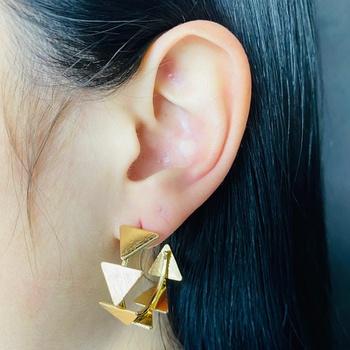 Argola Triângulos Dourado