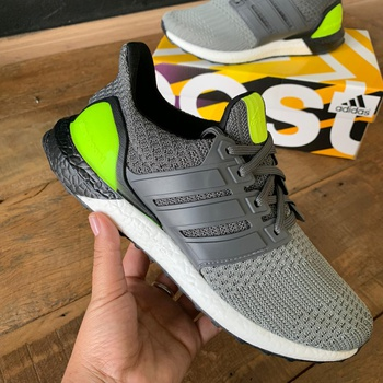 TENIS AD ULTRABOOST 4.0 - CHUMBO/VERDE - BOOTS-06 - TCHUCO STORE - GRANDES MARCAS