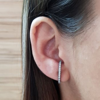 Brinco Semi Joia Ear Hook Pequeno Ródio Negro Bran...