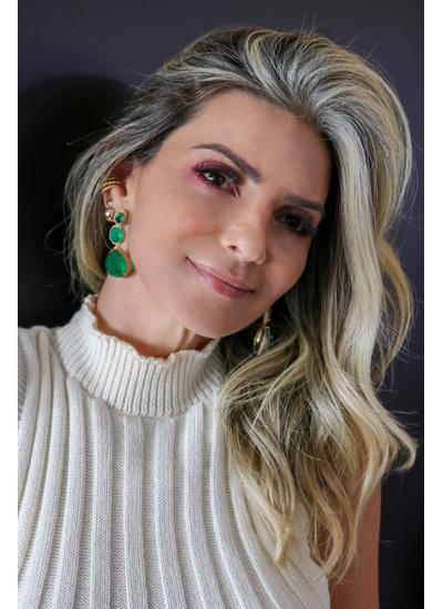 Brinco Esmeralda Toda Volta Cravejada com Micro Zi... - Dillu Jóias