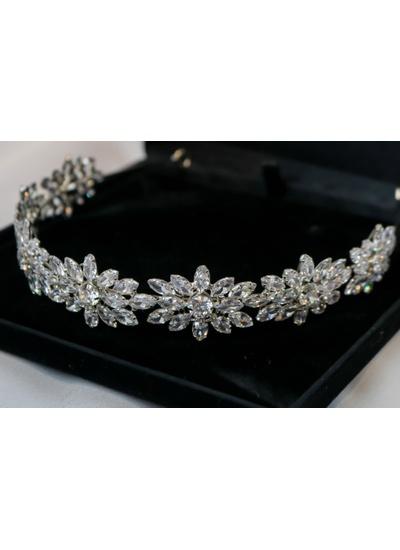 Tiara Luxo Floral com Cristal No Banho de ródio -... - Dillu Jóias