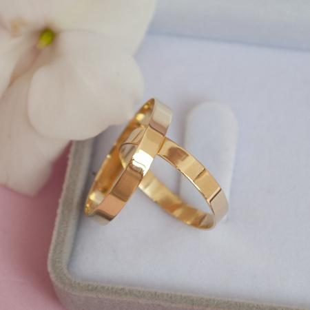 Aliança de Ouro 18k 3mm 3 gramas Reta Modelo Bahamas - Rosê