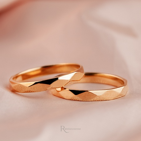 Alianças Ouro 18k 4mm 7 gramas Facetas Modelo Prisma - Rosê
