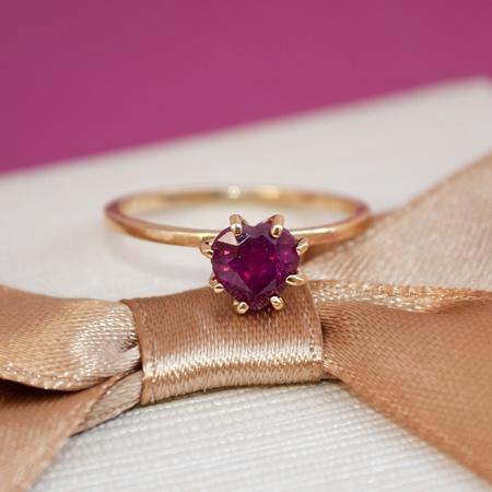 Anel Solitário Noivado Ouro 18K Rubi Natural Modelo Rubi Love - Rosê