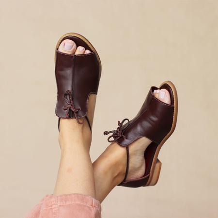 Sandália Salto Baixo Freedom com Calcanhar Fechado... - Universo Bubblê
