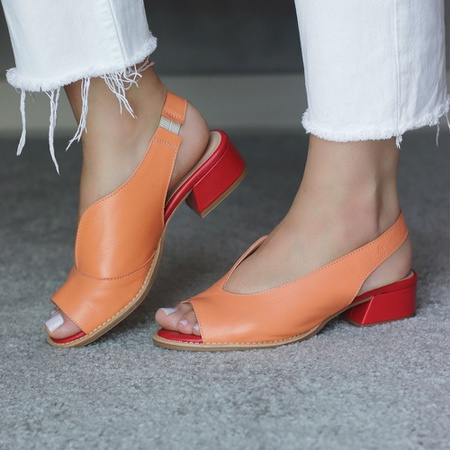 Sandália Salto Baixo Laranja e Vermelho - Florença... - Universo Bubblê