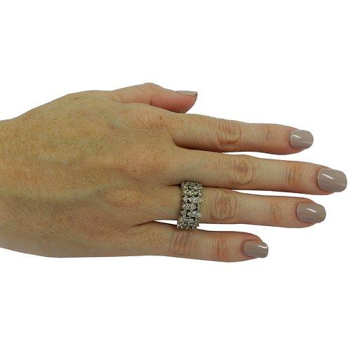 Anel em Ouro Branco 18k Meia Aliança com Diamantes