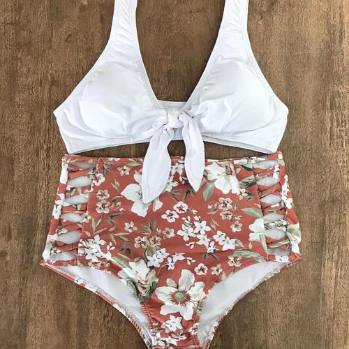 Biquíni Retrô Plus Size Branco com Areia Floral