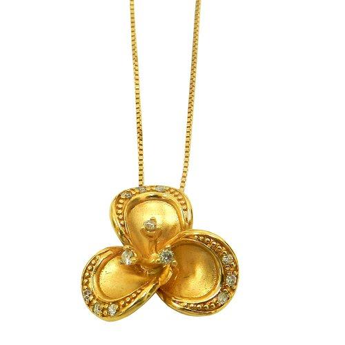 Gargantilha em Ouro 18k Flor com Brilhantes
