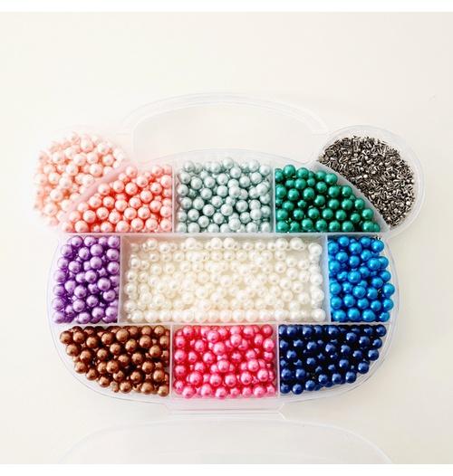Caixa com 1100 pérolas coloridas de 6mm