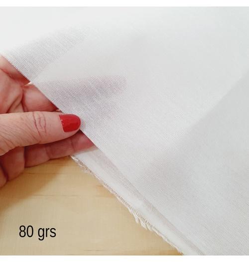 Entretela de Tecido 80grs termocolante (0,50cm x 0,90cm)