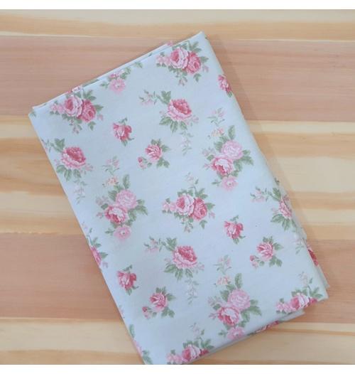 Tecido Tricoline Floral PQ Verde - (0,50cm x 1,50mt)