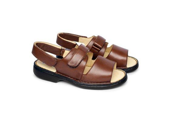 Sandália de Couro com Velcro Tamanho Grande - Marrom