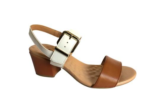 Sandália Confortável - Caramelo / Branca
