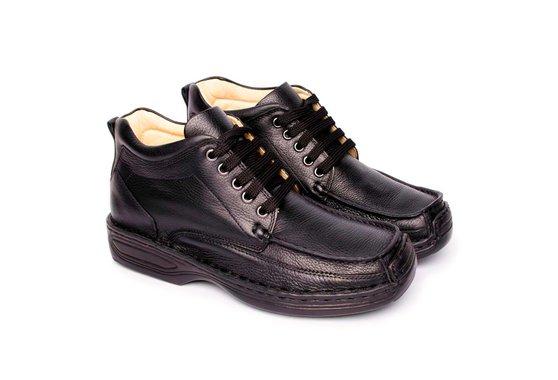 c77eab254 Bota Masculina Couro - Preta | Pé Relax Sapatos Confortáveis