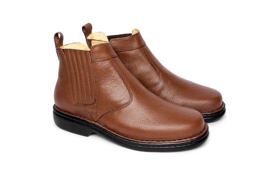 31acdd729 Bota em Couro Masculina - Chocolate | Pé Relax Sapatos Confortáveis