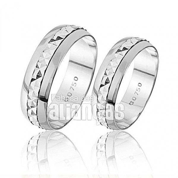 Alianças de Noivado e Casamento em Ouro Branco 18k 0,750 FA-220-B