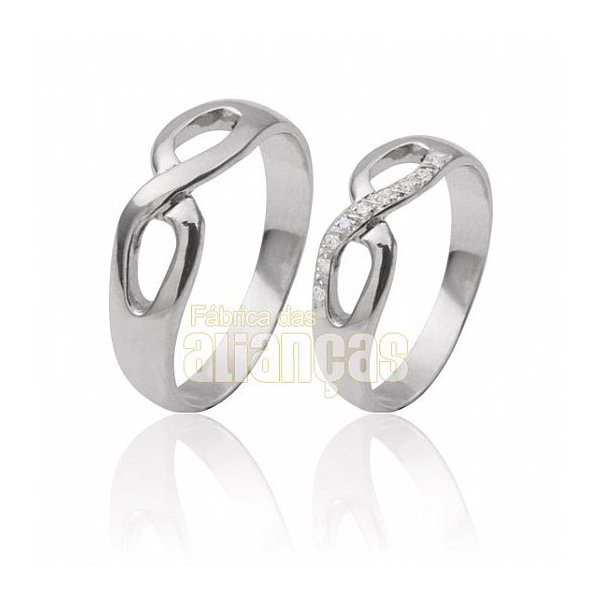 Alianças de Ouro Branco 18k Infinito com Diamantes
