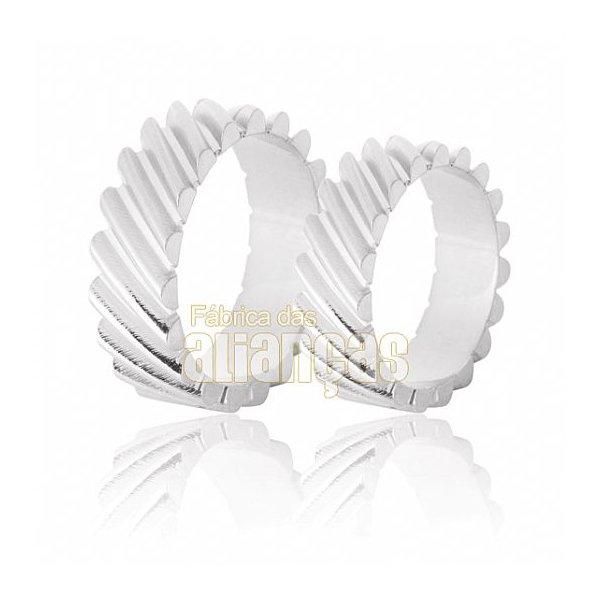 Aliança de Noivado e Casamento em Ouro Branco 18k 0,750 FA-632-B