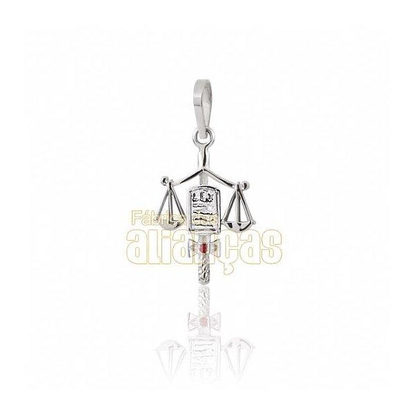Pingente de Formatura de Direito em Ouro Branco 18k 0,750 P-09-B