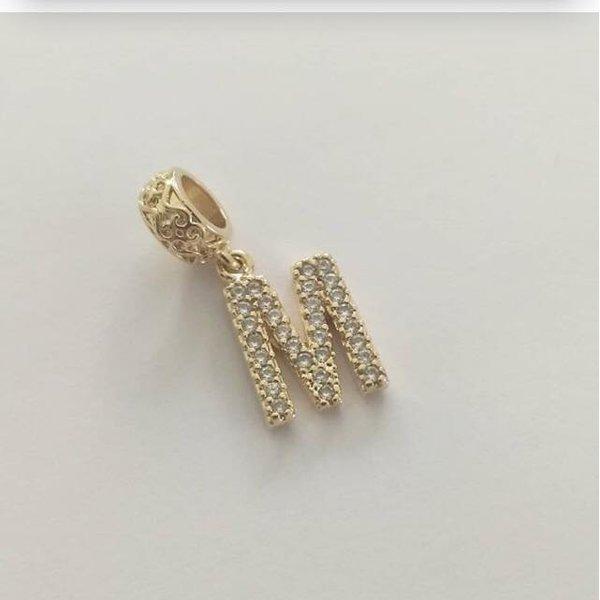 Pingente Berloque Cravejado em Zircônias Banhado a ouro Letra