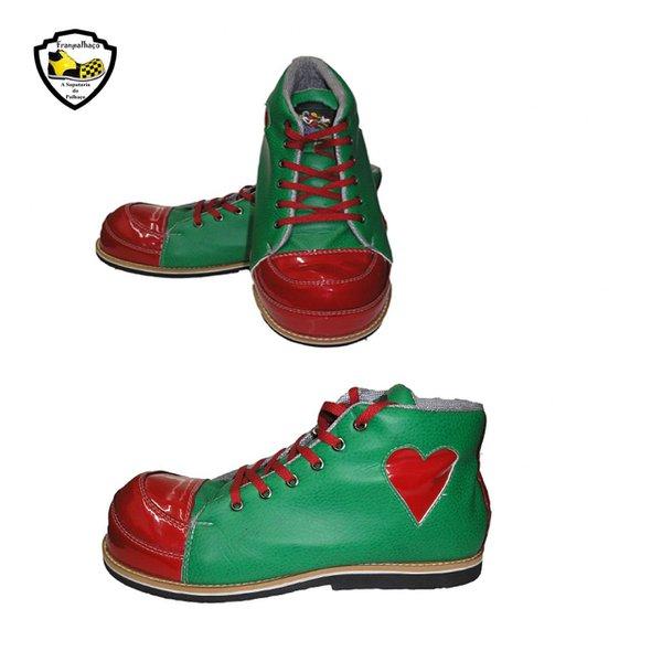 Sapato de Palhaço Verde com Bico Vermelho e Detalhe em Coração Ref 300