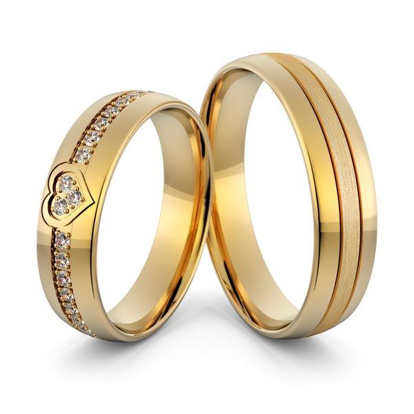 Aliança em Ouro 18k de Casamento Coração com Diamantes