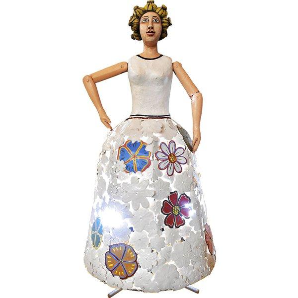 Luminária de Escultura Boneca com Saia de Flores Recortadas