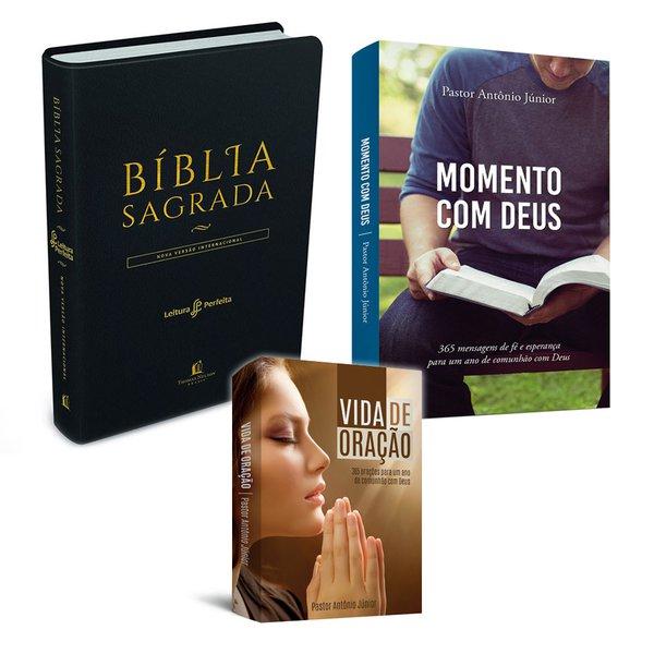 1 Bíblia preta + 1 livro Momento com Deus + 1 livro Vida de oração